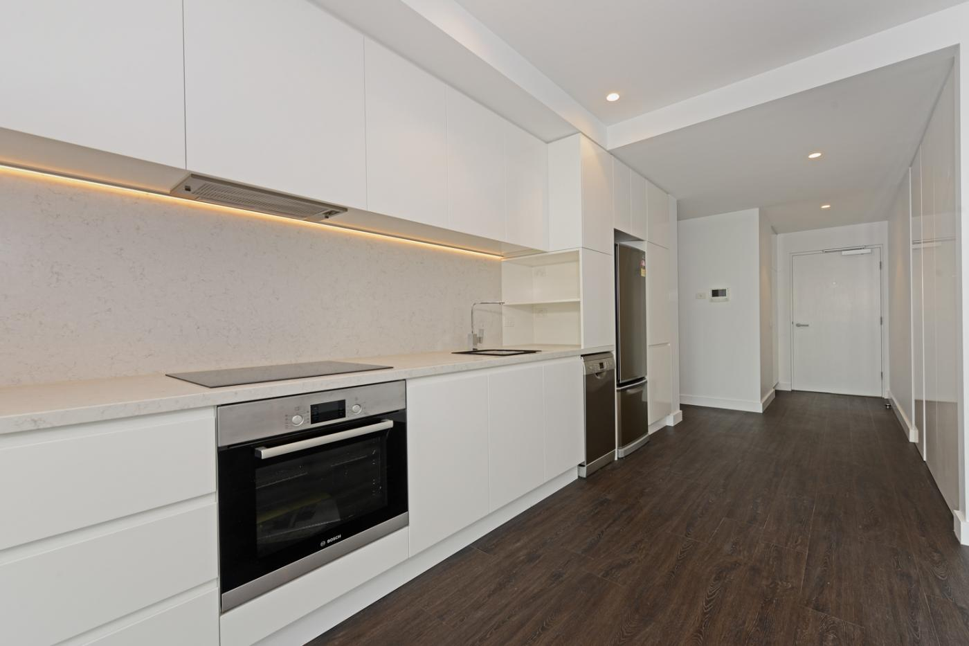 Brand New 1 Bedroom Apartment In First Class Location