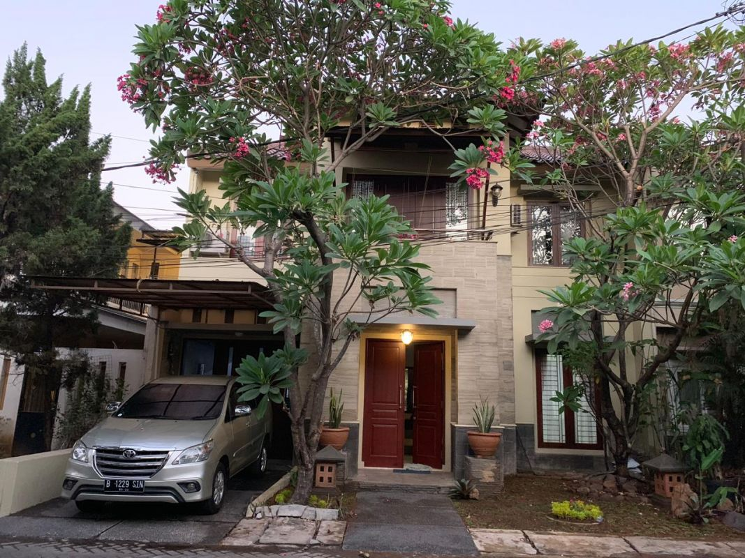 2 Floor house in Compound Pejaten Barat Kemang